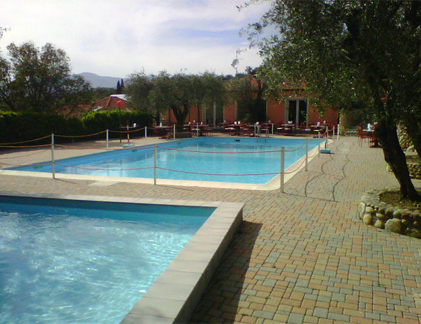 Open air pools and bar | Facilities  Villaggio Borgoverde Imperia