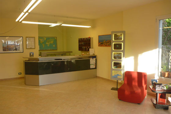 Reception con Info-Point | Servizi Villaggio Borgoverde Imperia