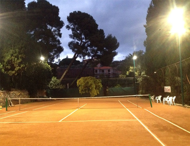 Affiliated tennis court | Facilities Villaggio Borgoverde Imperia