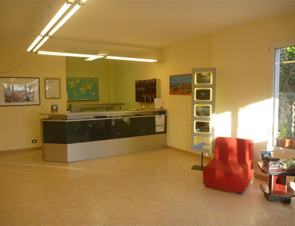 Reception con Info Point | Servizi Villaggio Borgoverde Imperia