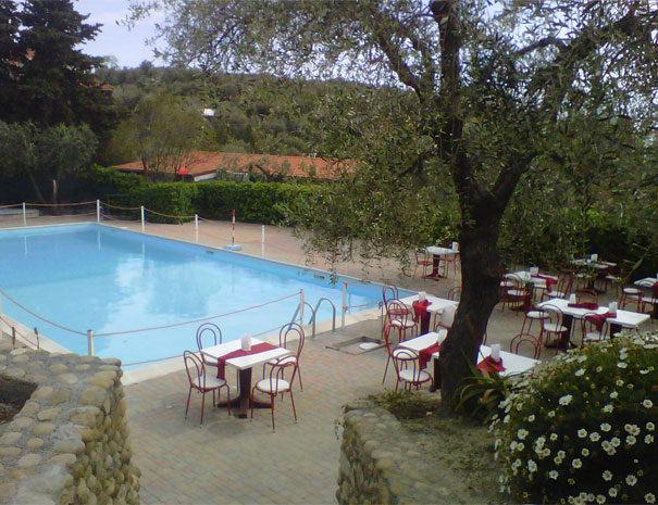 Bar extérieur | Services du Villaggio Borgoverde à Imperia