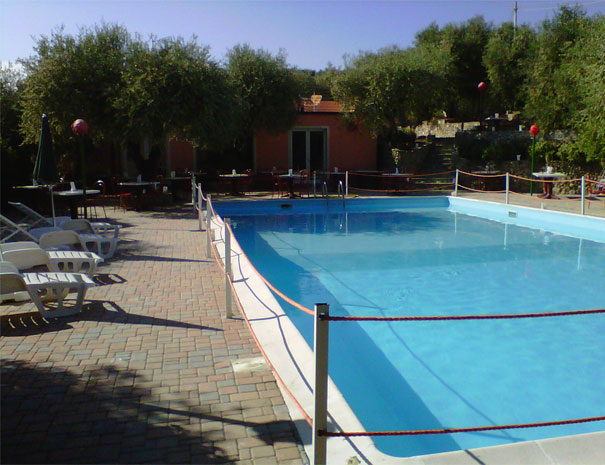 Open air pool | Facilities  Villaggio Borgoverde Imperia
