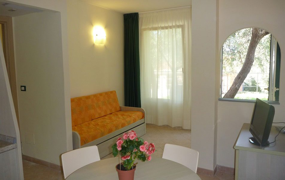 Holiday apartments for 2-4 people: living area | Villaggio Borgoverde Imperia