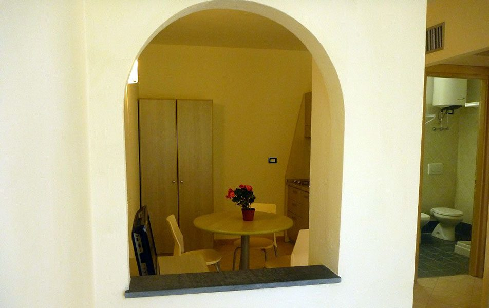 Holiday apartments for 2-4 people: entrance | Villaggio Borgoverde Imperia