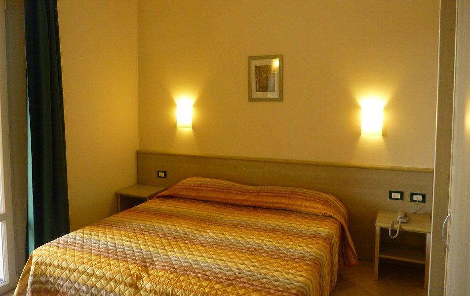 Appartamenti vacanza per 2-6 persone: camera matrimoniale | Villaggio Borgoverde Imperia